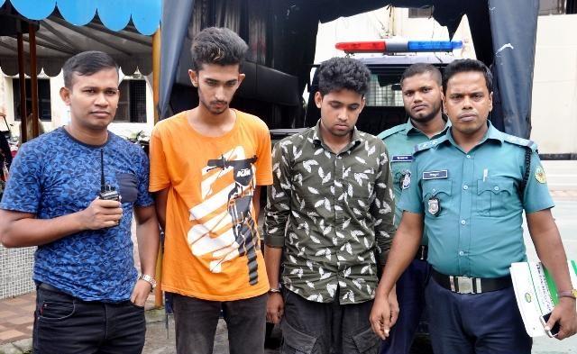 বরিশালে কিশোর গ্যাং রিফাত বাহিনীর ৩ সদস্য আটক